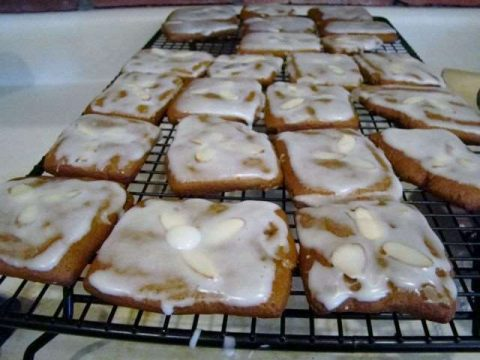 German Lebkuchen - My Grandmother's recipe for spiced Christmas cookies