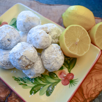 Easy Lemon Snowball Cookies with Powdered Sugar