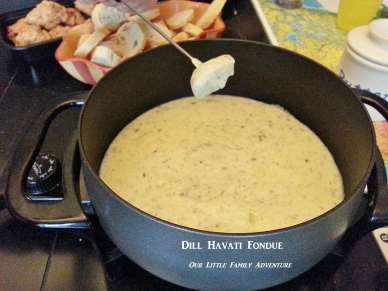 Dill Havarti Fondue from Little Family Adventure #kidfriendly #quickandeasy #familyfunnight