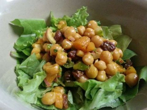 sweet and curry chickpea salad, great lunch idea,