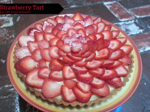 Strawberry Tart with custard and a butter crust
