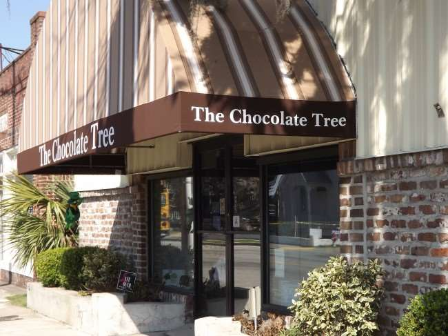 The Chocolate Tree - A local Beaufort chocolate shop #chocolate #southerncharm #familytravel #travel #southcarolina