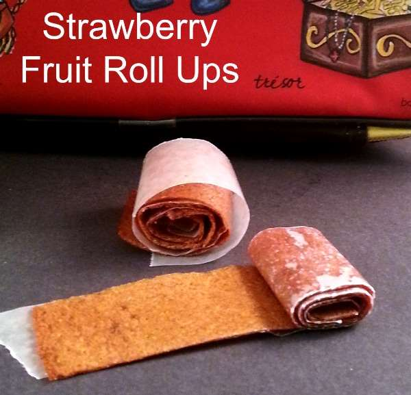 Strawberry Fruit Roll Ups with 100% fruit - #cleaneating #realfood #healthysnack #strawberries