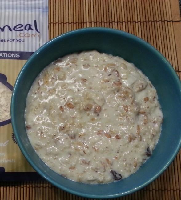 Mystery Blend Oatmeal from MyOatmeal.com | All natural, custom made oatmeal blends | #oatmeal #myoatmeal.com #healthyoatmeal #oatmealrecipe #iifym #nonGMO