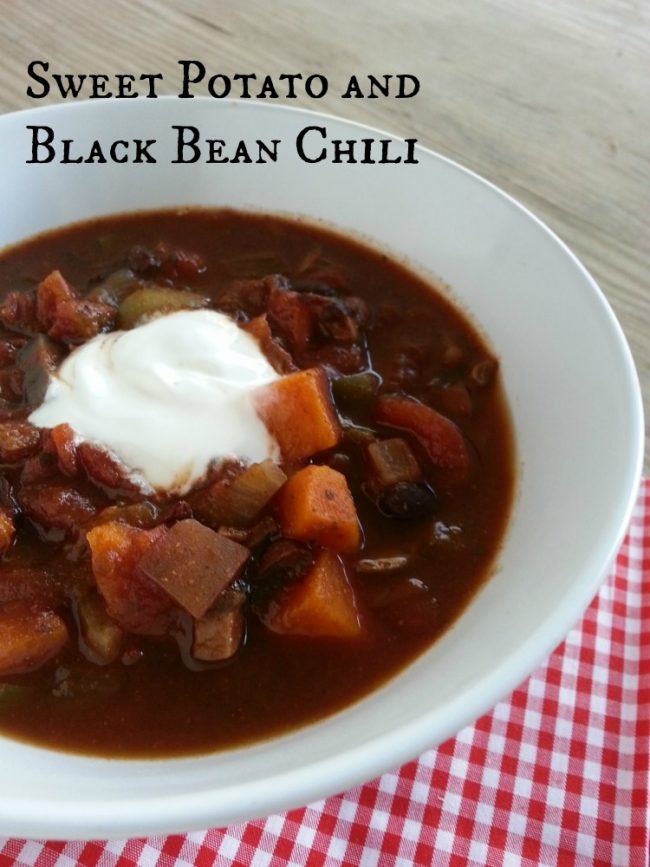 Crock Pot Vegetarian Chili with Sweet potato and black beans - A perfect way to serve chili on its own, as chili fries, or as a Frito Pie for Meatless Monday and beyond #chili #dinneridea #slowcooker #recipe