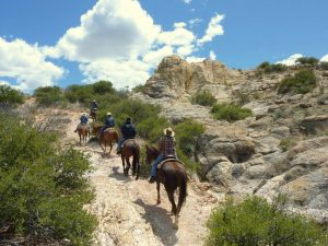 5 Reasons to Visit a Dude Ranch - Escape the Cold -Circle Z Ranch #travel #dudrance #adventure #familyfun