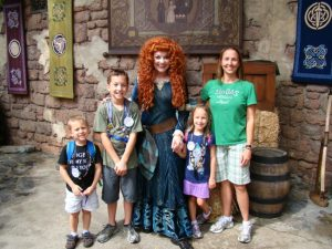 best ways to save money on your Disney World Vacation - Character Meet and Greet
