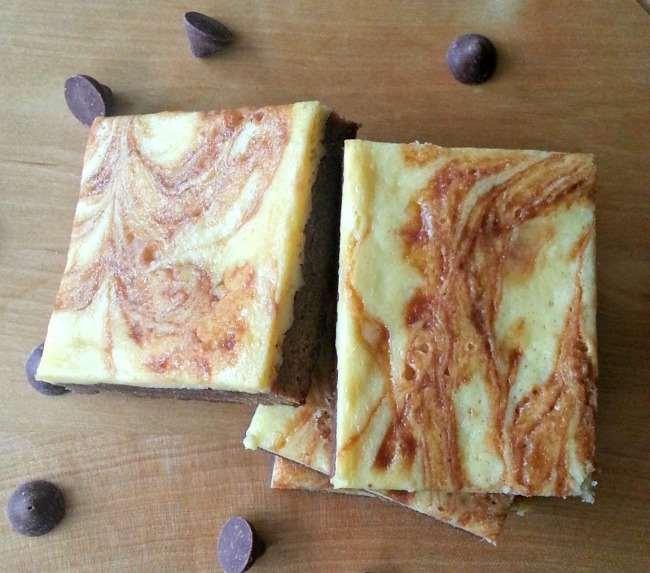 Chocolate Caramel Cheesecake Brownies Chocolate Caramel Cheesecake Brownies with #TollHouseTime #NestleTollHouse #DelightFulls