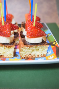 Nutella and Fruit Waffles - Recipe and ideas for serving
