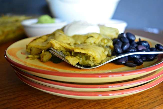Homemade Green Enchiladas (vegetarian) - Healthy Mexican dish with roasted poblanos, potato, spinach, and zucchini. Save money with @ALDIUS