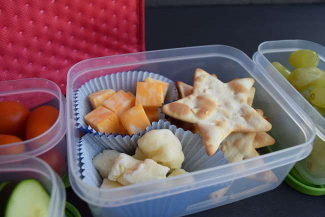 10 Quick and Healthy Lunches - Cheese and Cracker Lunch