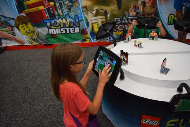 There's no place like LEGO KidsFest Fusion App
