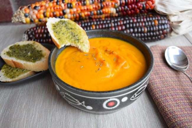 Pumpkin Soup with Pesto Toast #MeatlessMondayNIght