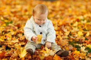 12 Amazing Fall Activities to Get You & the Kids Outdoors