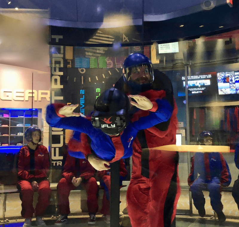 VR Experience indoor skydiving