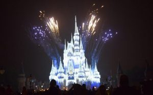 Mickey's Very Merry Christmas Party - Lighting the Castle