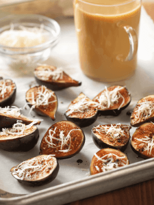 Baked Figs with Manchebo Cheese