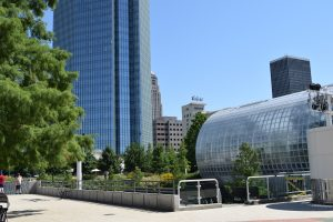 10 Family Fun Things to Do in Oklahoma City - Crystal Bridge Topical Conservatory #seeokc