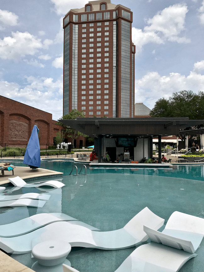 hilton anatole adult pool