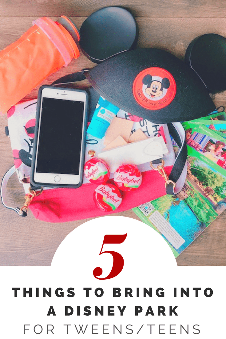 Going to a Disney Park with a tween or teen? Here are 5 things they should bring with them for a fun day in the park. #ad #minibabybel