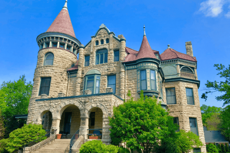 Stay at The Castle – Historic Bed and Breakfast La Crosse, WI
