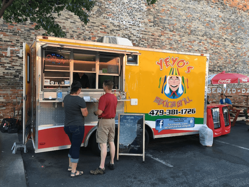 Yeyos food truck