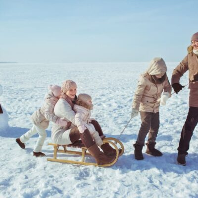 29 Fun Winter Activities for Kids and Parents Can Do Together
