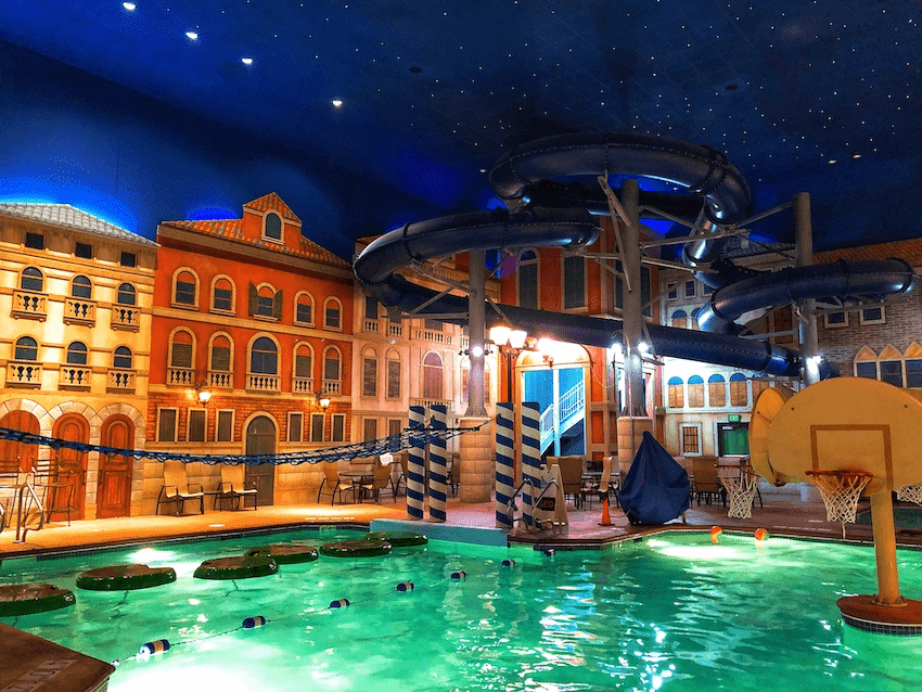 Enjoy This Minneapolis Indoor Water Park at Holiday Inn Maple Grove MN