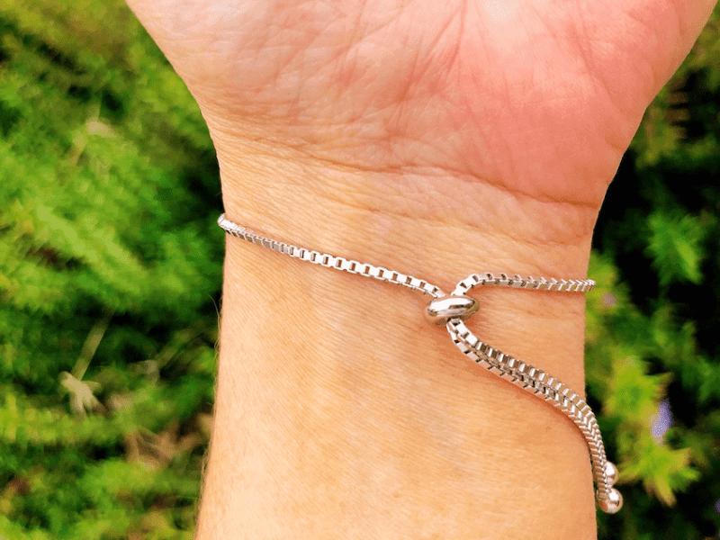 Bolo bracelet closure