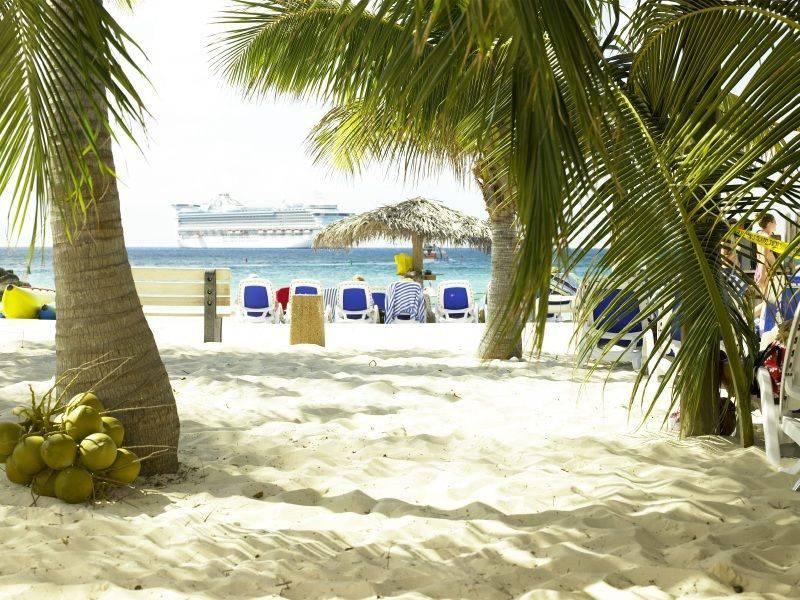 Cay Beach - Port of Call