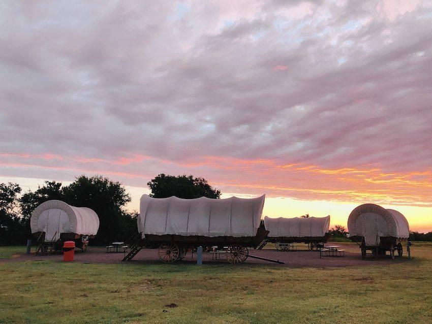 Conestoga wagon circle - glamping in Oklahoma