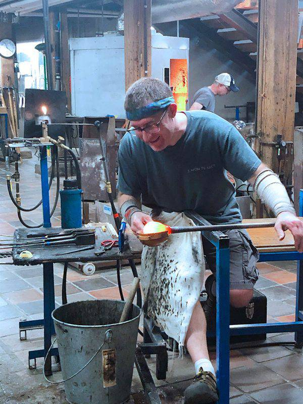 Simon Pierce glass craftsman