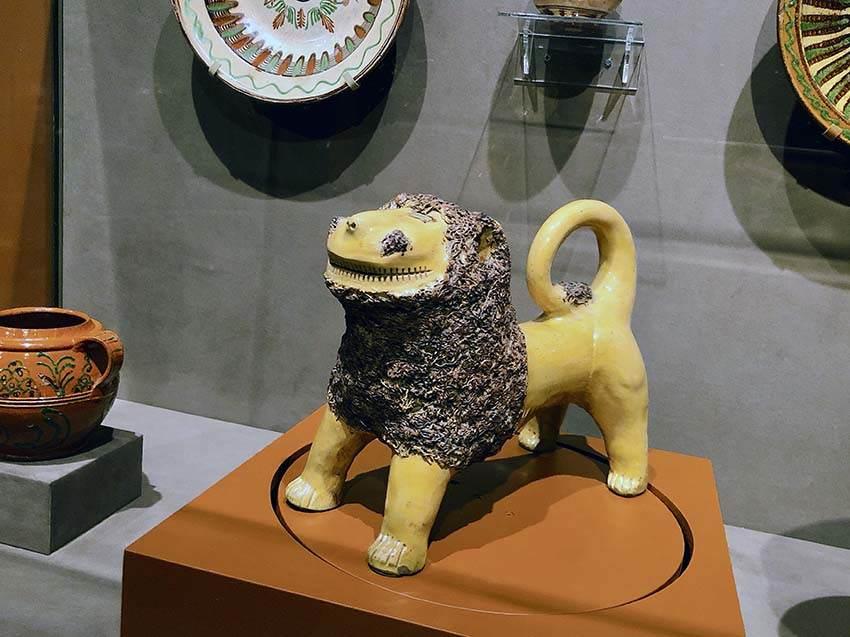 MESDA ceramic lion