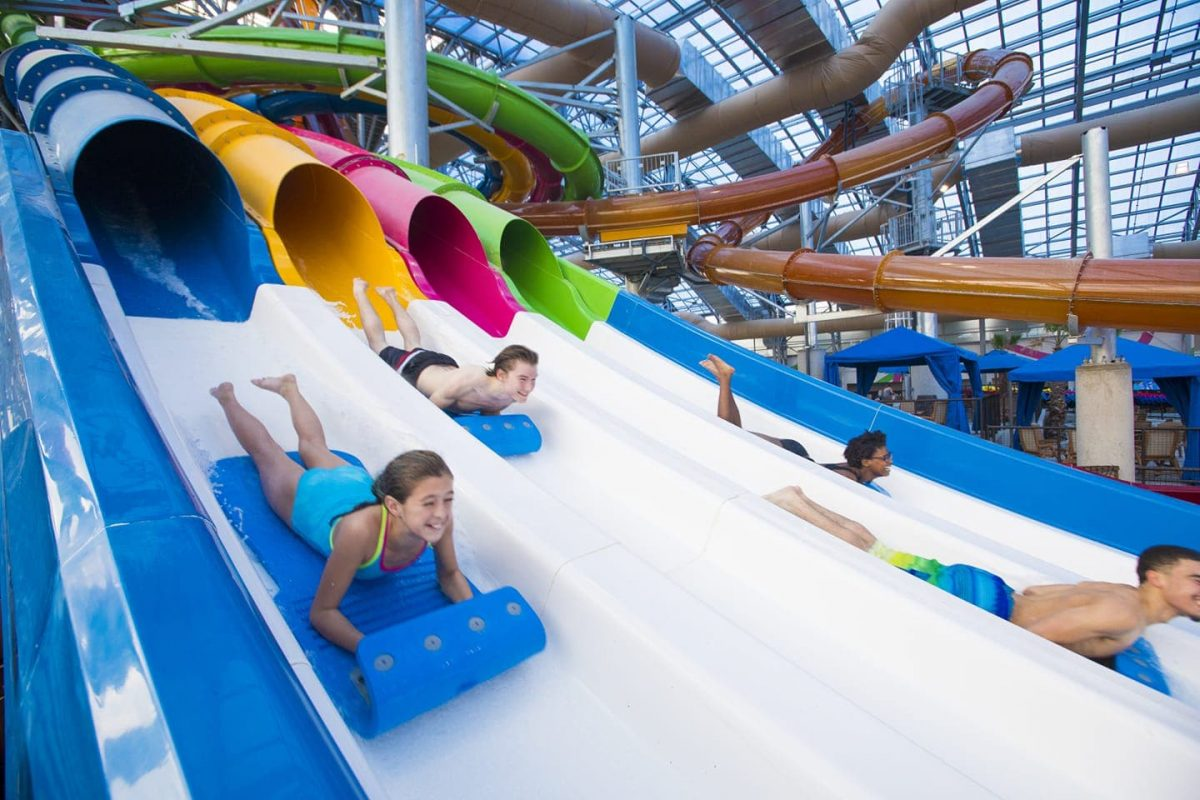 kids on waterslides - Epic Waters