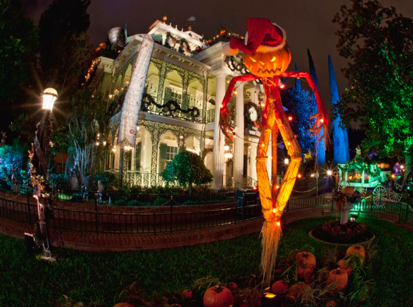 Haunted Mansion Disneyland at holidays