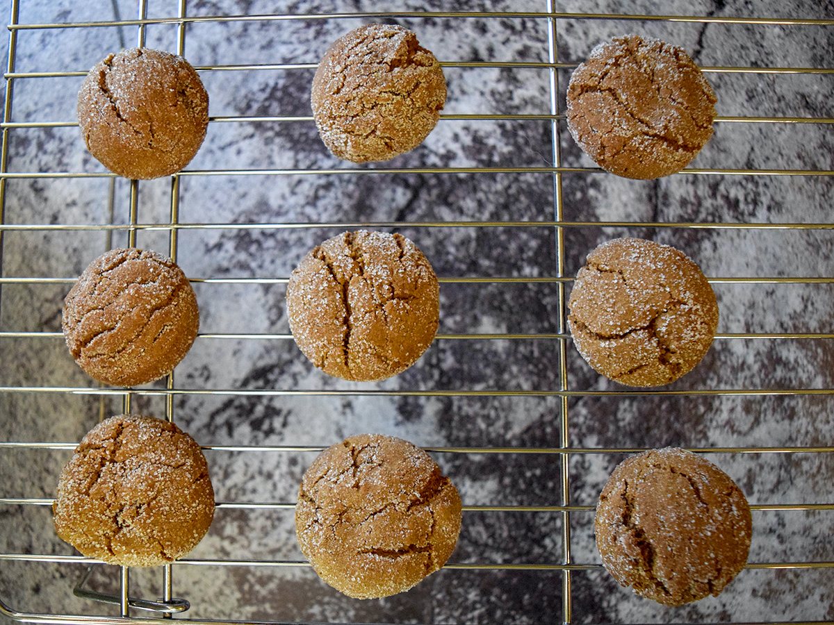 ginger crinkles cookies on wire rack