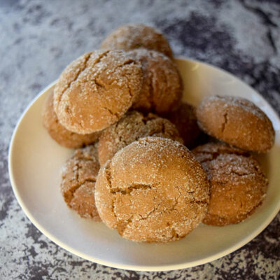 Soft Gingerbread Crinkle Cookies with Ginger & Molasses