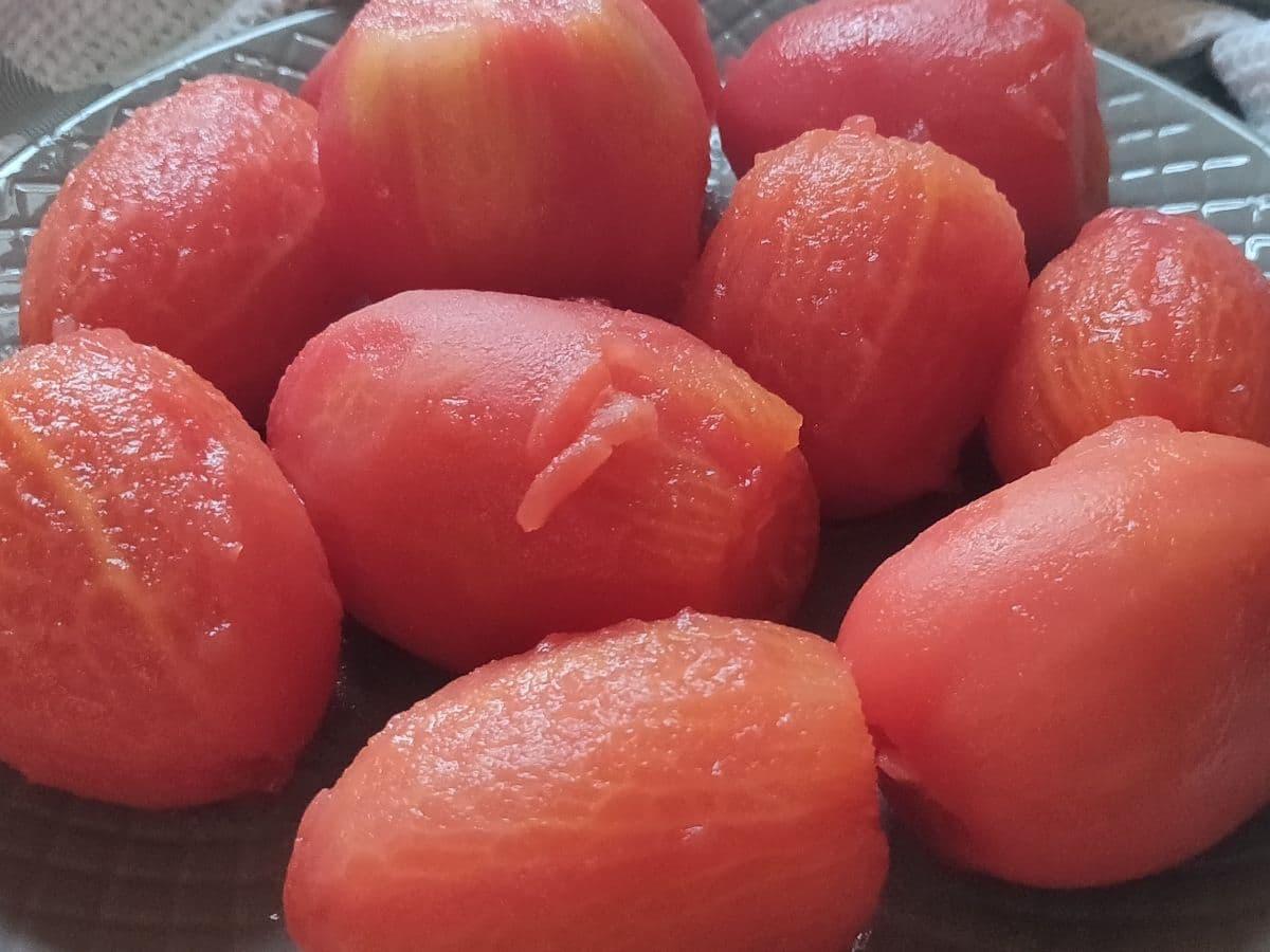 peeled Roma tomatoes