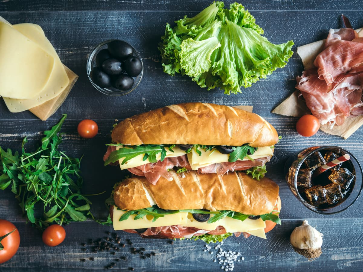 sabmarine sandwiches with toppings