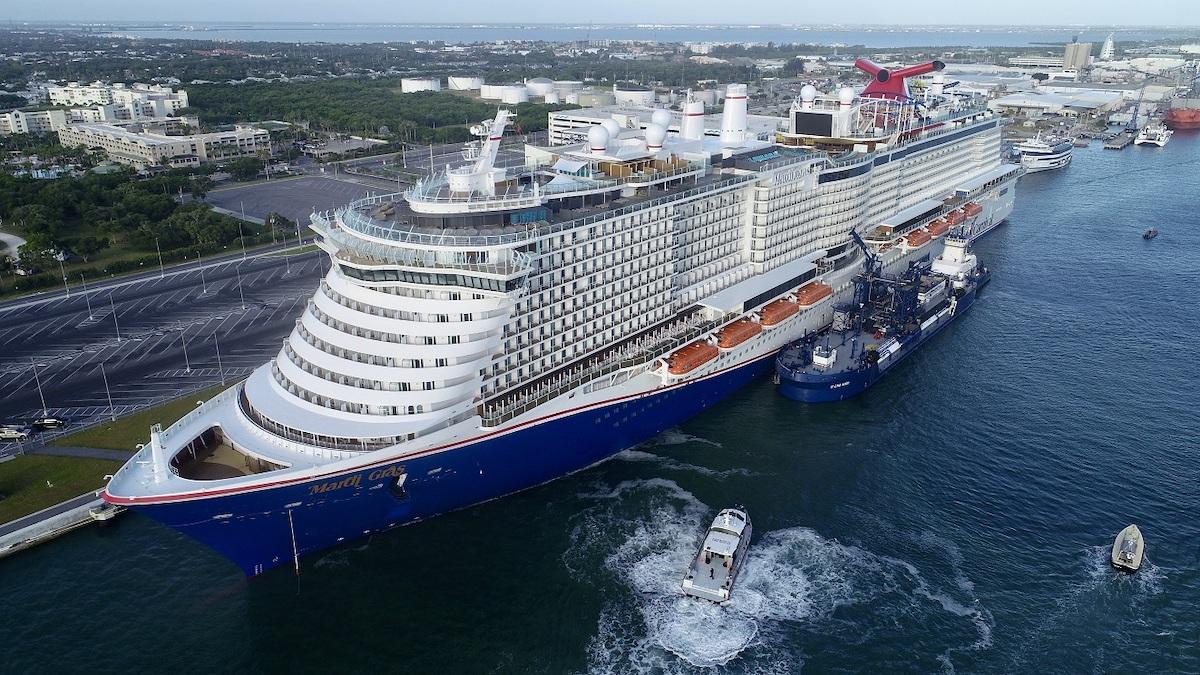 Carnival Cruise Ship - Mardi Gras